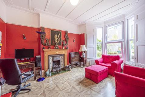 Blythwood Road, Stroud Green. 5 bedroom end of terrace house for sale