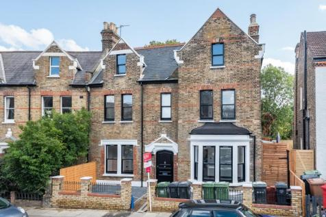 Devonshire Road, Forest Hill. 2 bedroom flat for sale