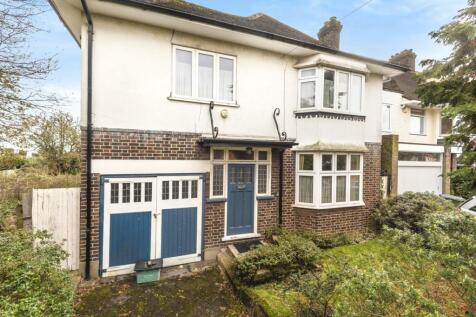 Radlet Avenue, Forest Hill. 3 bedroom detached house for sale