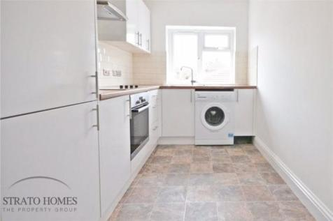 2 BEDROOM APARTMENT, WORTING ROAD. 2 bedroom flat