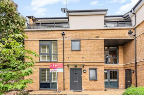 George Mathers Road, Kennington. 3 bedroom terraced house for sale