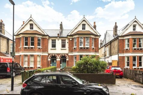 Lewisham Park, Hither Green. 3 bedroom flat for sale