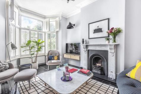 Hither Green Lane, Hither Green. 3 bedroom terraced house