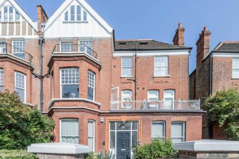 Compayne Gardens, West Hampstead. 3 bedroom flat for sale