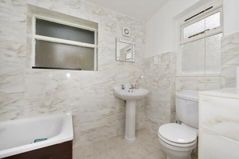 Castletown Road, West Kensington, London, W14. 2 bedroom apartment