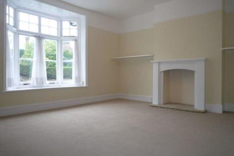RIVERHEAD. 1 bedroom flat