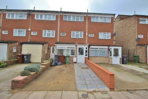 Westbury Road, Barking. 4 bedroom terraced house