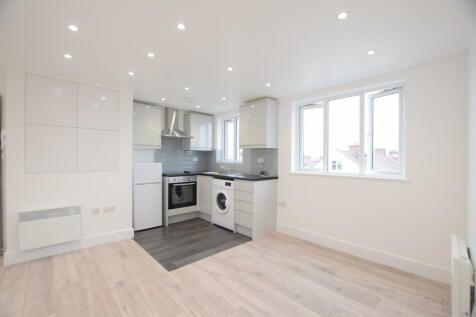 Cranbrook Road, Ilford. 1 bedroom flat