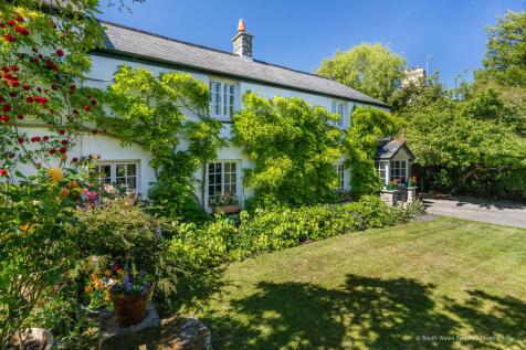 Llanblethian, Near Cowbridge, Vale of Glamorgan, CF71 7JD. 4 bedroom detached house