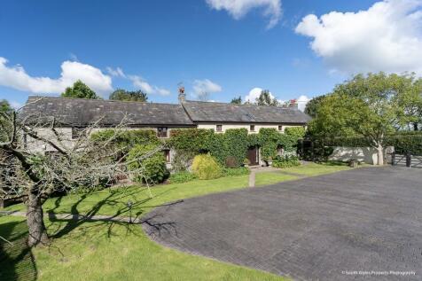 St. Hilary, Cowbridge, Vale of Glamorgan, CF71 7DP. 4 bedroom barn conversion