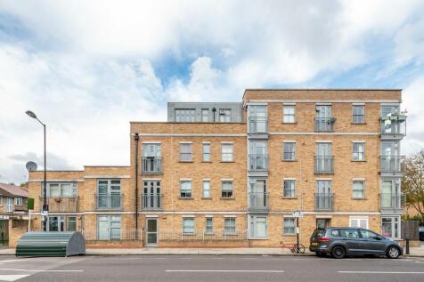Sandringham Road, London. 1 bedroom flat