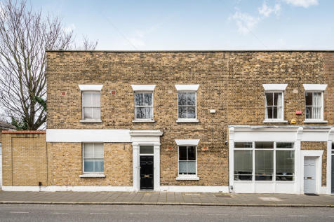 Wilton Way, London. 2 bedroom flat