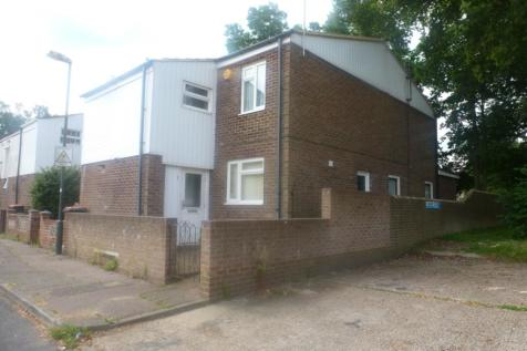 Caraway Close Crawley RH11. 3 bedroom end of terrace house