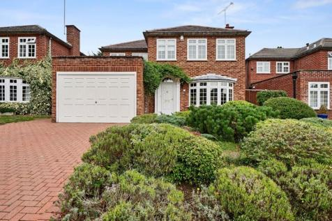 Tall Elms Close, Bromley, Kent, BR2. 4 bedroom detached house