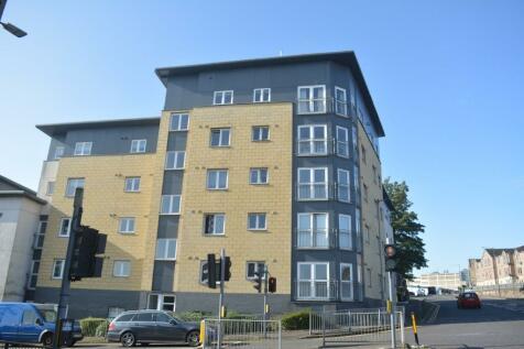 18 Bellsmeadow Road, Falkirk, Falkirk, FK1 1SD. 2 bedroom flat