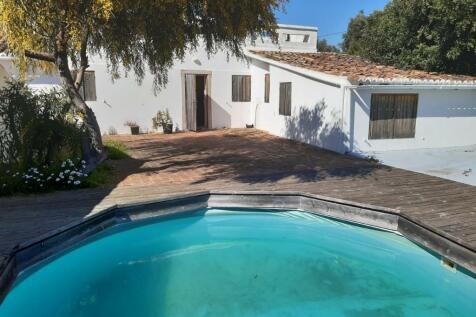 Santa Catarina da Fonte do Bispo, Algarve. 2 bedroom cottage for sale