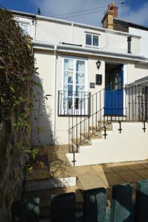 Bun Cottage, Burial Lane, Llantwit Major CF61 1SD. 2 bedroom cottage