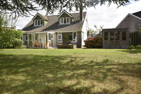 Llandaff Close, Penarth. 3 bedroom detached bungalow