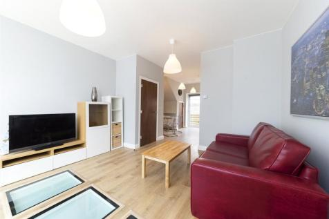 Dawes Road, London. 2 bedroom flat