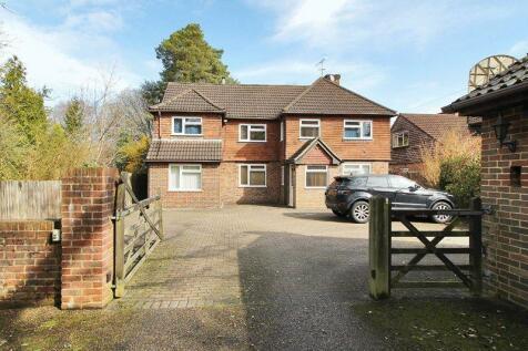 Copthorne Road, Felbridge, West Sussex. 5 bedroom detached house