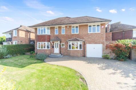 Campbell Crescent, East Grinstead, West Sussex. 4 bedroom detached house