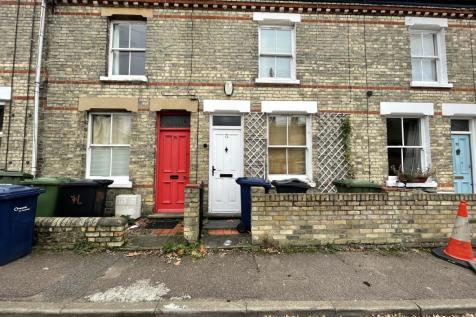 Young Street, Cambridge. 2 bedroom terraced house