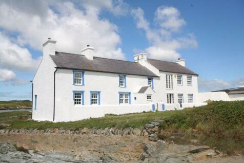 Llanfair-Yn-Neubwll, Anglesey. 7 bedroom detached house