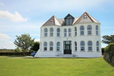 Llanfaelog, Anglesey. 8 bedroom detached house