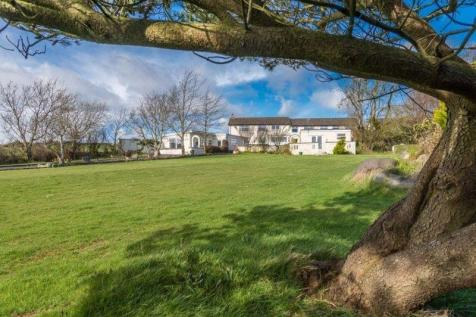 Llanfechell, Anglesey - Letting Cottages & Caravan Park. 20 bedroom cottage for sale