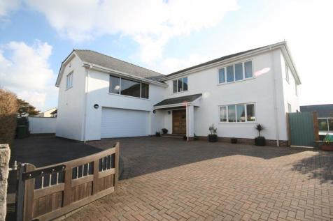 Rhosneigr, Anglesey. 5 bedroom house for sale