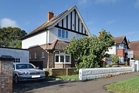 Warwick Road, Bexhill-On-Sea. 3 bedroom detached house for sale