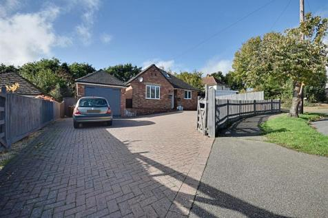 Plemont Gardens, Bexhill-On-Sea. 4 bedroom detached house for sale