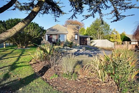 Cooden Sea Road, Bexhill-On-Sea. 3 bedroom detached bungalow for sale