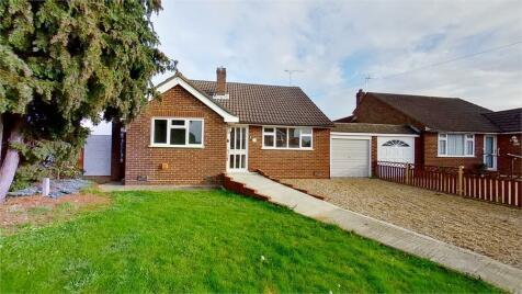 Gaywood Avenue, Cheshunt, Hertfordshire. 2 bedroom detached bungalow for sale