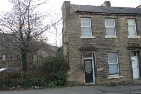 Newsome Road, Newsome, Huddersfield, West Yorkshire, HD4. 2 bedroom end of terrace house