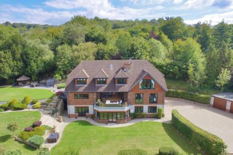 Coombe Road, Otford, Sevenoaks, Kent, TN14. 6 bedroom detached house for sale