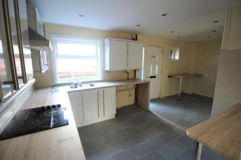 Angelico Rise, Oldham, Greater Manchester, OL1. 3 bedroom terraced house