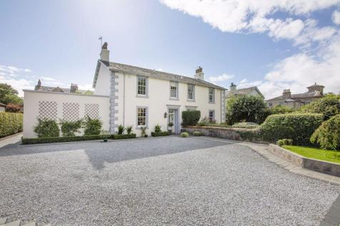 Park Place, Stirling. 5 bedroom character property
