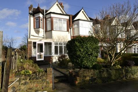Compton Road, London, N21. 1 bedroom ground floor flat