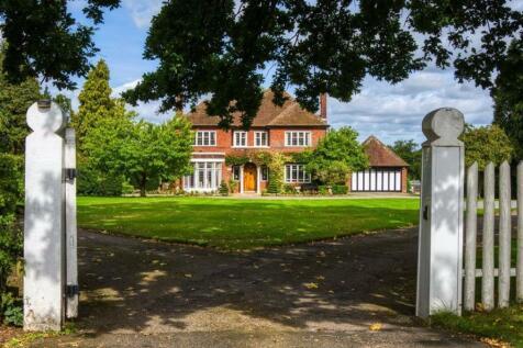 Whitfield, Bridgnorth Road, Enville, Stourbridge, West Midlands, DY7. 5 bedroom detached house for sale