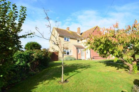 COMMANDING DETACHED FAMILY RESIDENCE FINISHED TO AN IMPECCABLE STANDARD THROUGHOUT.. 4 bedroom detached house for sale