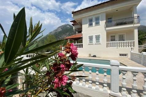 Karagozler, Fethiye, Mugla. 6 bedroom semi-detached house