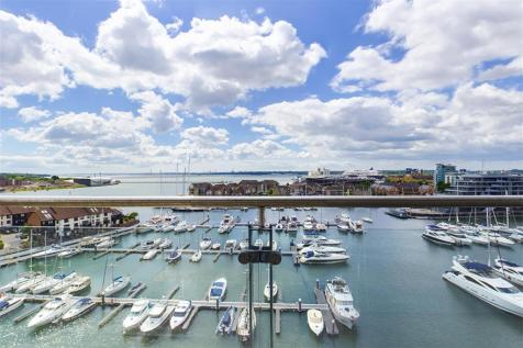 Sundowner, Channel Way, Southampton, SO14 3JB. 3 bedroom flat
