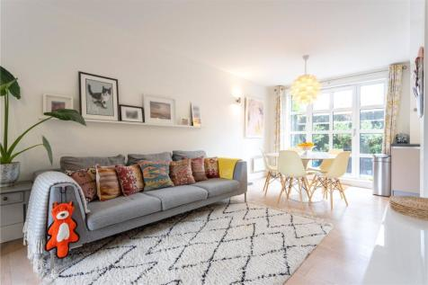 Eagle Works East, 58 Quaker Street, London, E1. 2 bedroom apartment for sale