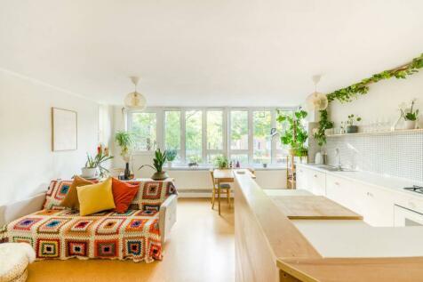 Spicer Close, Brixton, London, SW9. 1 bedroom flat