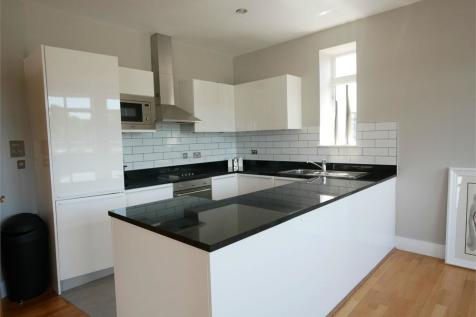 Hayes Point, Hayes Road, Sully. 2 bedroom apartment