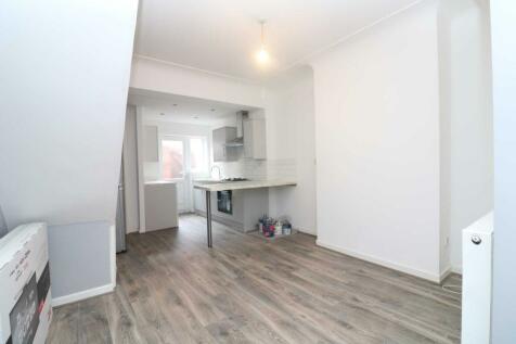 Millvale, Liverpool - Student rental. 3 bedroom house