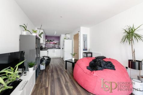 East Carriage House. 1 bedroom flat