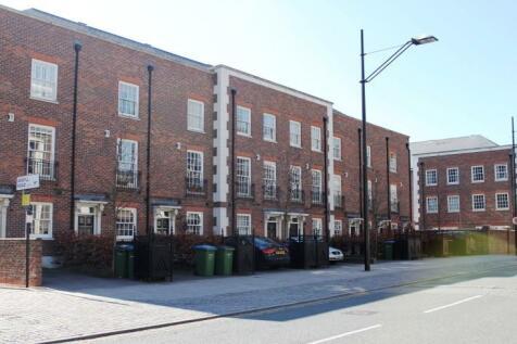 Cadogan Rd, Royal Arsenal, London. 4 bedroom end of terrace house