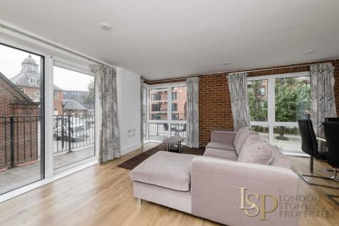Warehouse Court, Number One Street, London. 3 bedroom flat